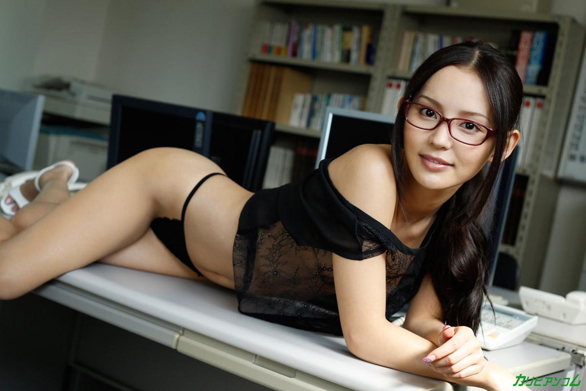 丘咲エミリ 出演動画